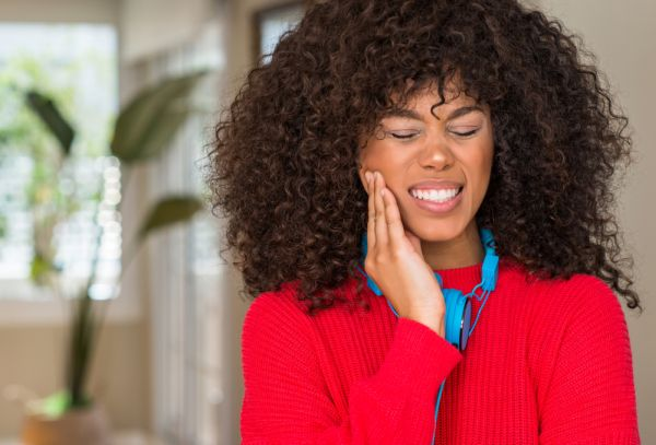 What Causes Toothache Pain? [Ask A General Dentist In Suffern]